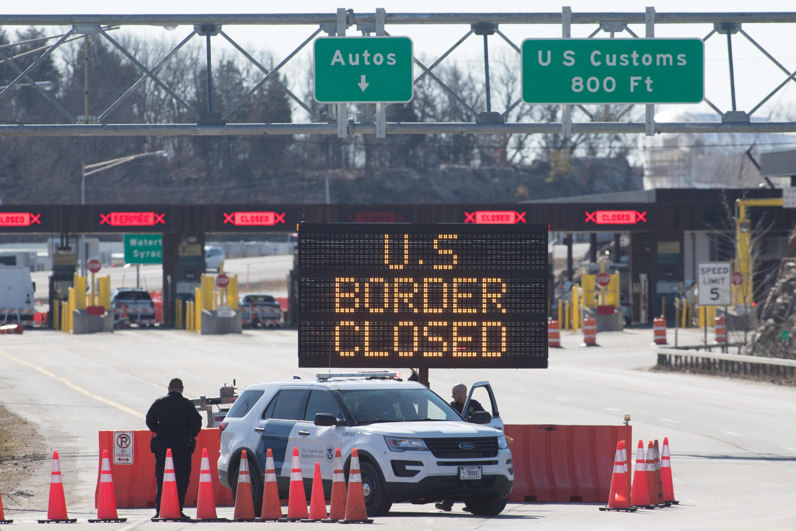 Experts Says It Was Safe to Open the Border With the U.S.